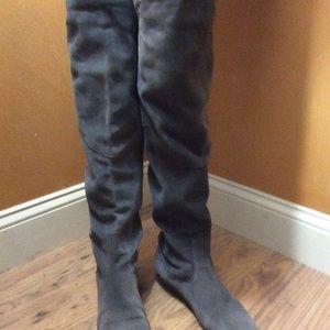 """White Mountain Shoes - Knee high White Mountain """"titan"""" grey suede"""